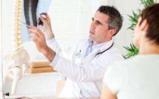 К какому врачу идти при остеохондрозе