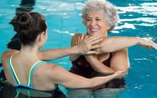 Упражнения в воде для сколиоза